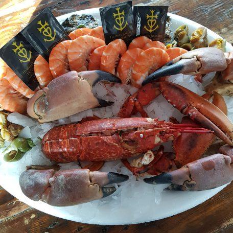 plateau de coquillages et crustacés